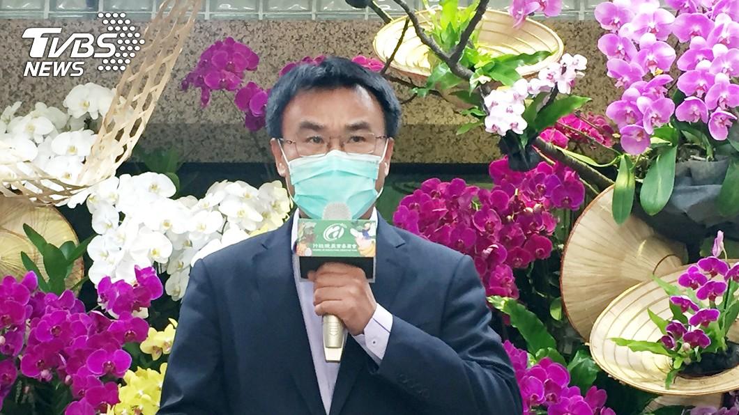 圖/中央社 視察農漁民申請紓困 陳吉仲:10分鐘可完成