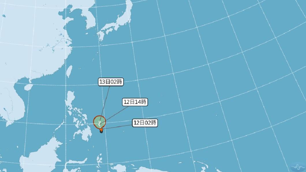 菲律賓東方海面的低壓雲系,今晨中央氣象局估計已有「熱帶性低氣壓」的強度。(圖/翻攝自中央氣象局) 首颱「黃蜂」最快今生成 專家曝侵台機率