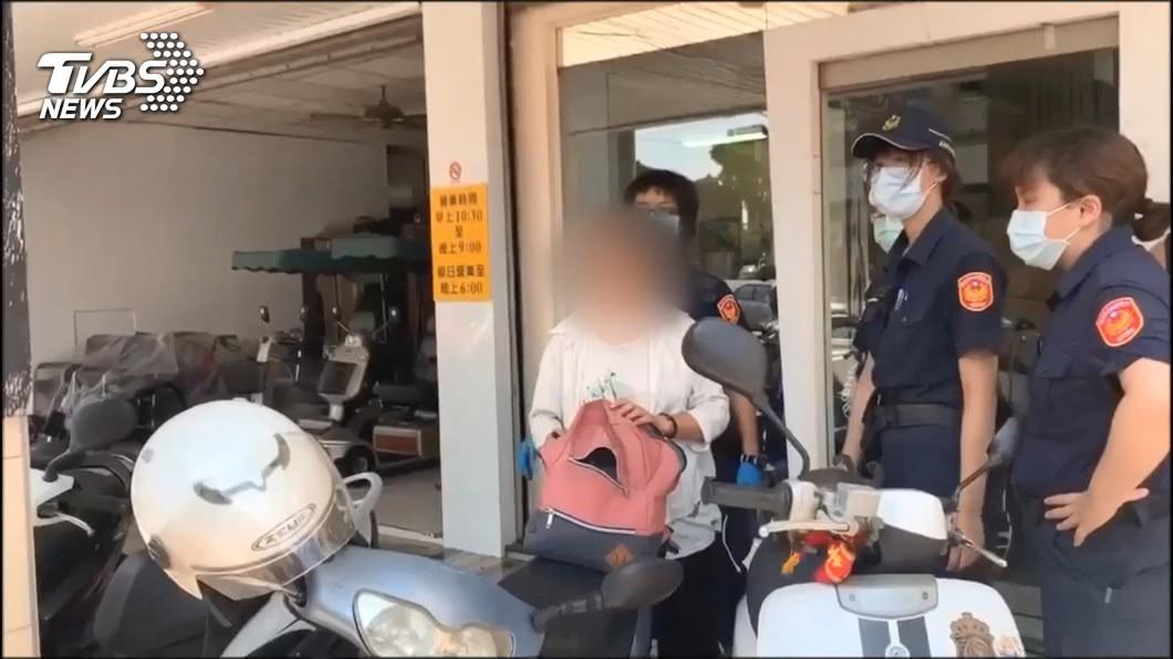 台南蘇姓婦人是知名檢舉達人,110報案及檢舉申訴警員逾1000件。(圖/TVBS資料畫面) 報案申訴逾千件 台南檢舉達人蘇大媽遭起訴