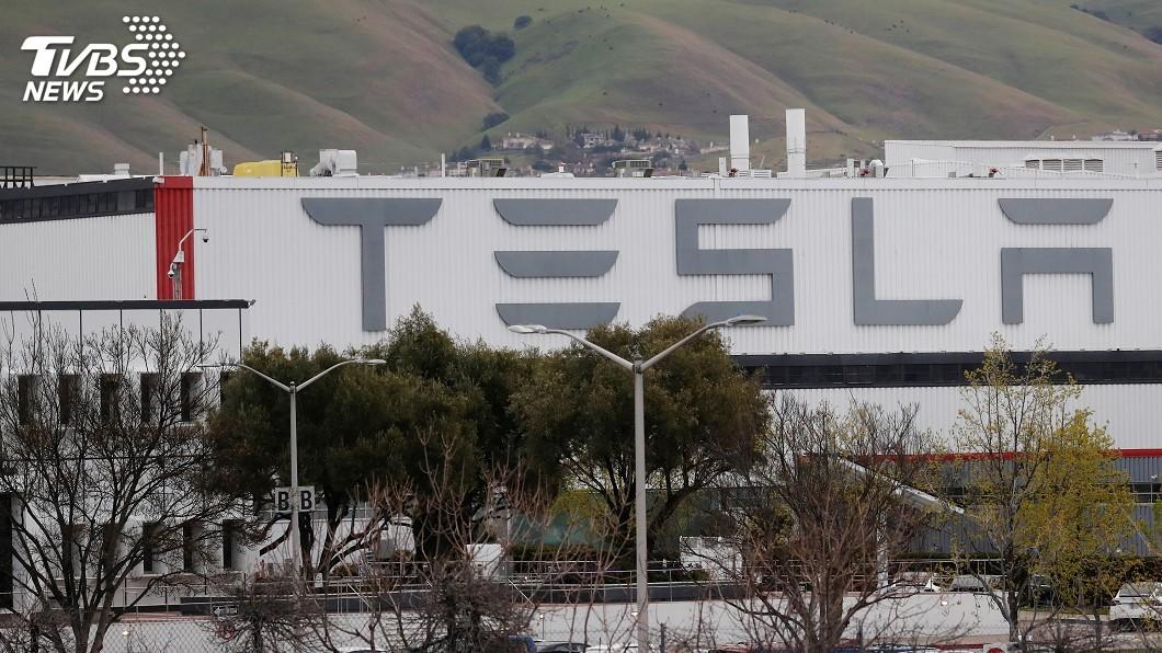 圖/達志影像路透社 川普敦促加州 讓特斯拉電動車組裝廠復工