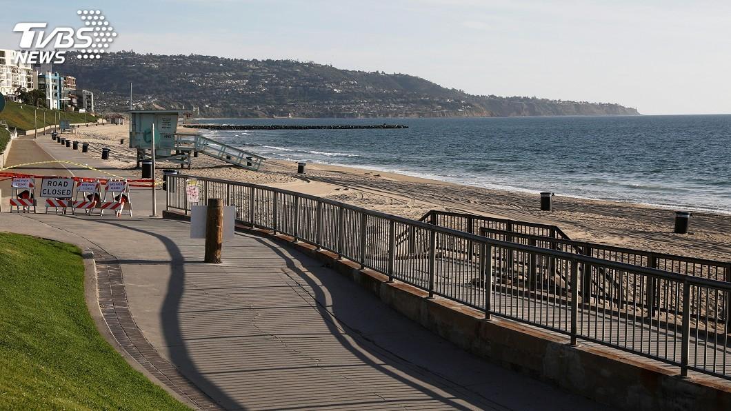 圖/達志影像路透社 洛杉磯將開放海灘 居家防疫令延長3個月