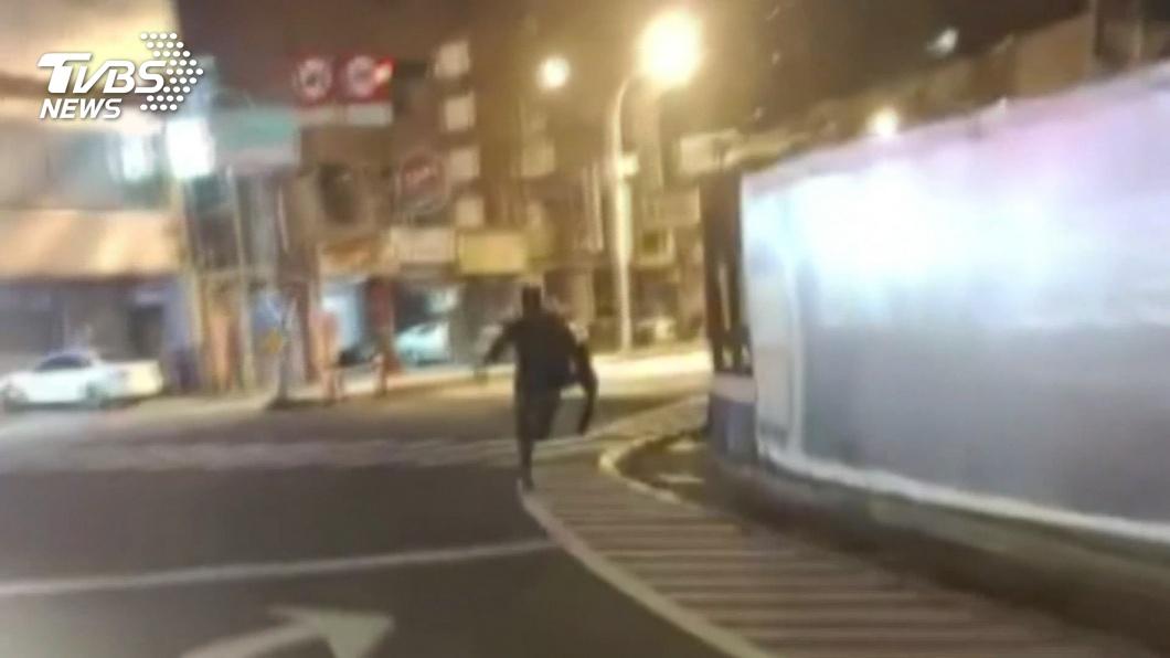圖/TVBS資料畫面 涉闖紅燈撞死人棄車逃 自小客車駕駛到案