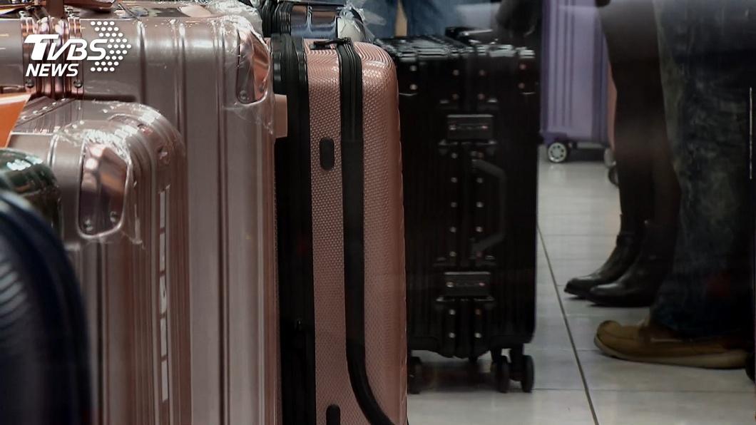 英國日前發生一起恐怖分屍案,一名女子的屍體被鋸成兩半,分裝在兩個行李箱內。(TVBS資料示意圖) 女被「剖半」屍塞行李箱…2冷血嫌被逮 案發處宛屠宰場