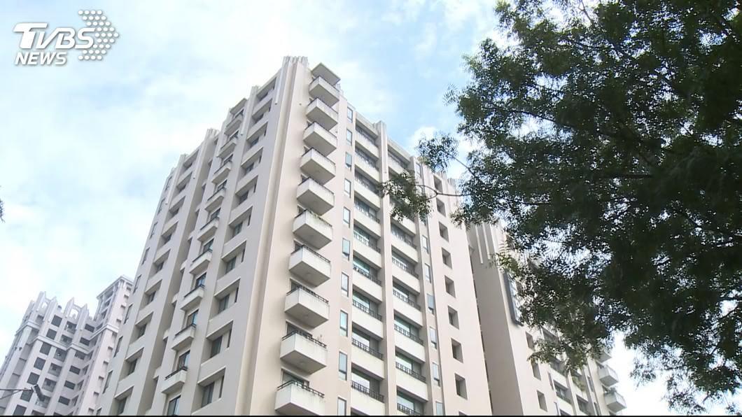 這樣的高樓大廈住宅,在現在是愈來愈常見了。(TVBS資料示意圖) 127萬買預售屋32樓…女等5年完工 建商只蓋29樓