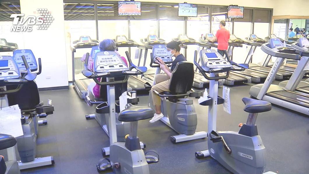 許多民眾都有上健身房運動的經驗和習慣。(TVBS資料示意圖) 只因沒撿起口罩 男被健身教練當沙包「連賞11巴掌」
