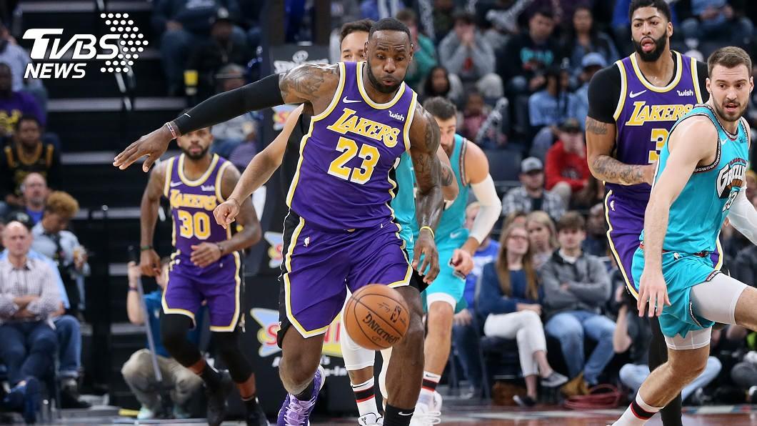 圖/達志影像路透社 職業賽重啟露曙光 詹姆斯盼NBA盡快復賽