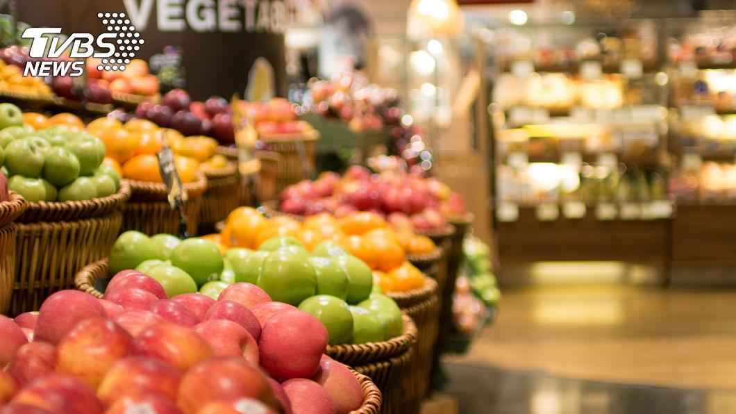 近年來農業科技發展迅速。(示意圖/TVBS) 逛超市驚見「水果蔬菜」 眾人激推:吃過就回不去