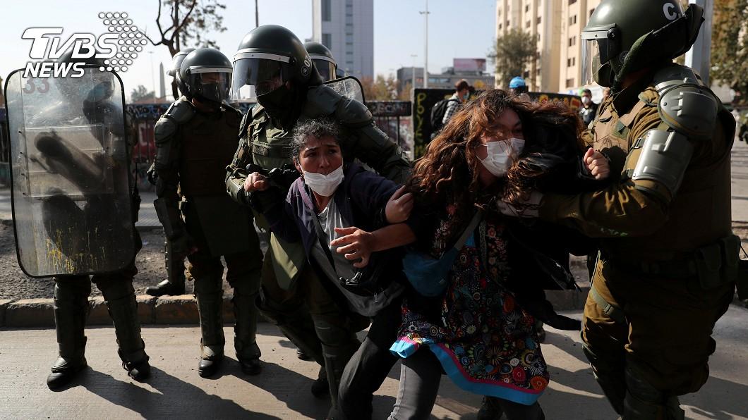 圖/達志影像路透社 智利單日確診創新高 糧食短缺與失業引首都暴動