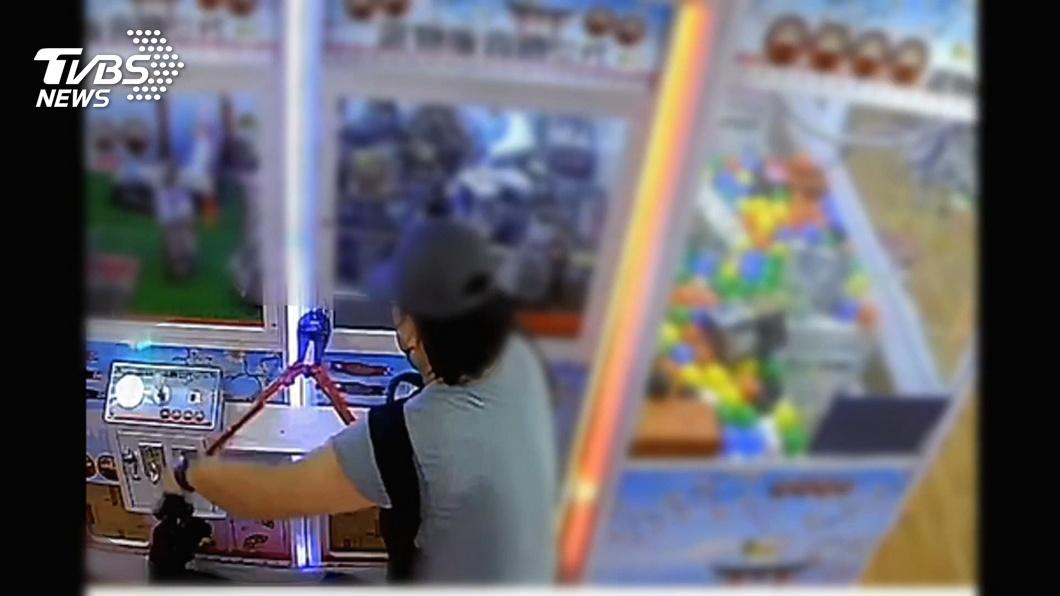 圖/TVBS 失業台主改當「娃娃機賊」 北市50業者受害