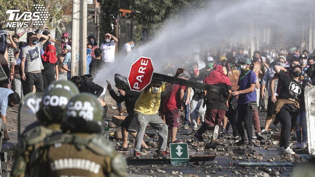 圖/達志影像美聯社 確診破5萬社會動盪加劇 智利總統坦承未準備好