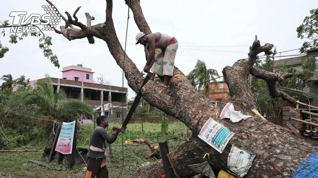 圖/達志影像路透社 超級氣旋安芬釀95死 印度、孟加拉展開災後清理