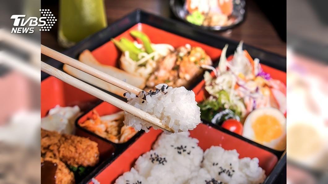 示意圖/TVBS 料堆到滿! 日本海陸雙拼丼飯外帶一樣豪華