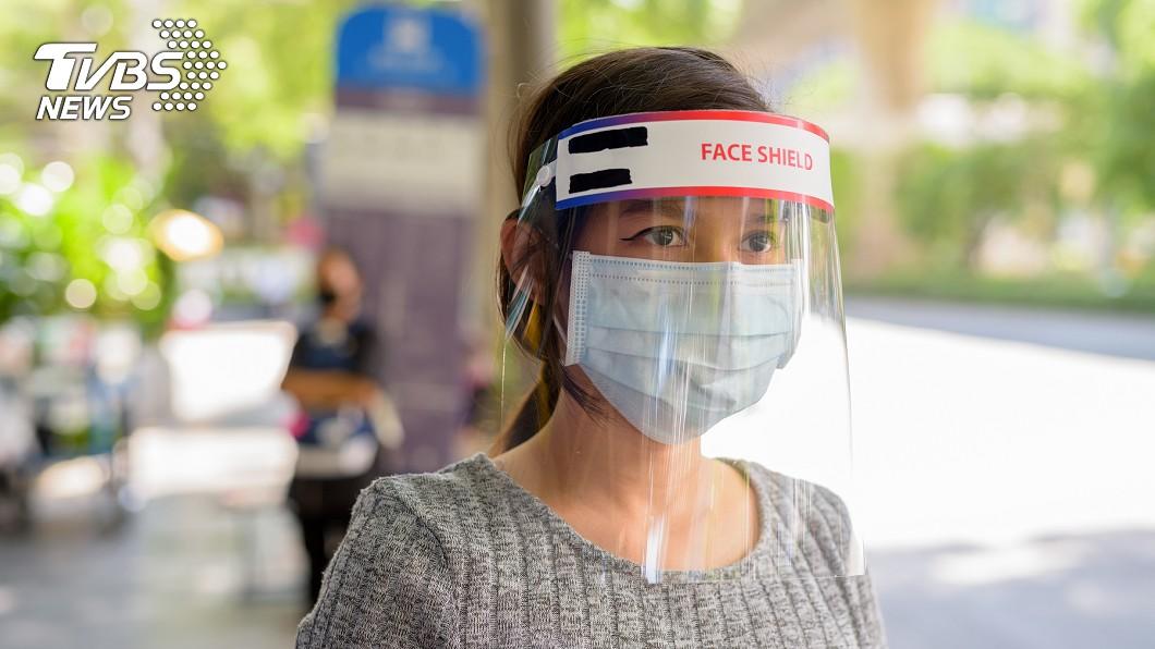 大阪拚6月開學 將發透明面罩助師生防疫