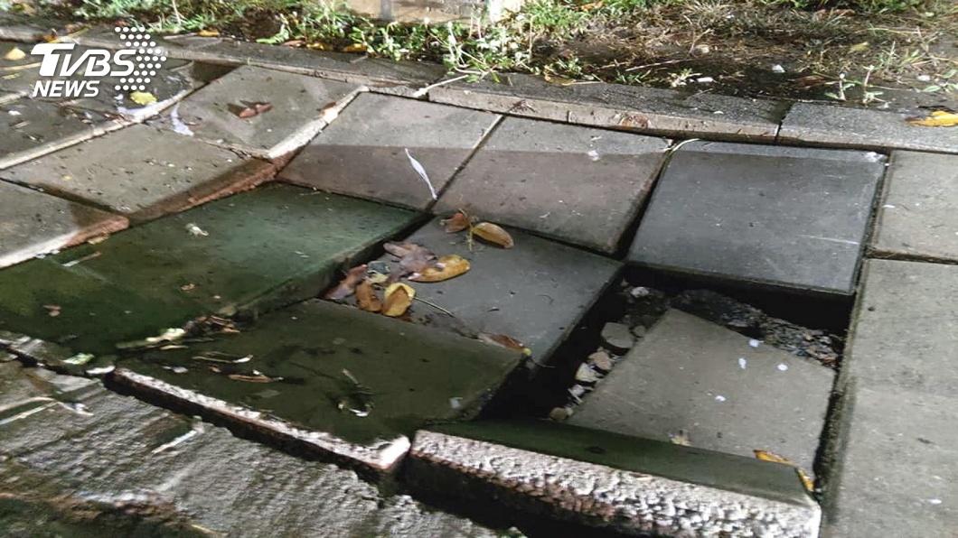 軍校路人行道嚴重破洞 塌陷逾500公尺