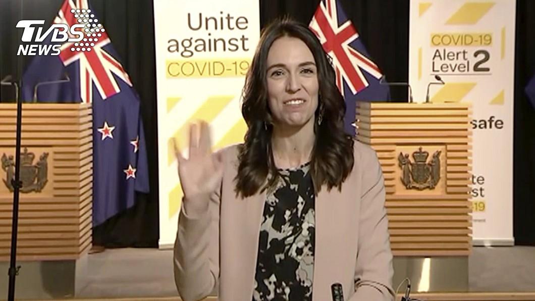 圖/達志影像美聯社 紐西蘭遇5.8淺層強震 女總理正受訪臨危不亂