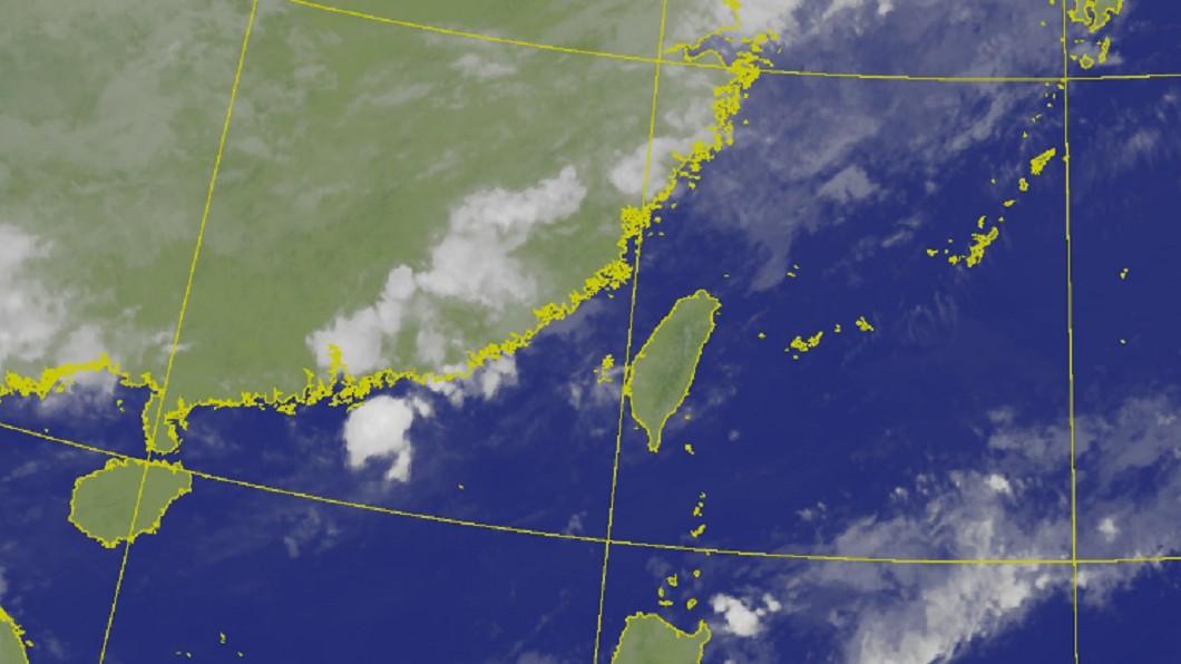 圖/中央氣象局 「雨神」同行防午後陣雨 鋒面夜襲最劇烈時間曝光