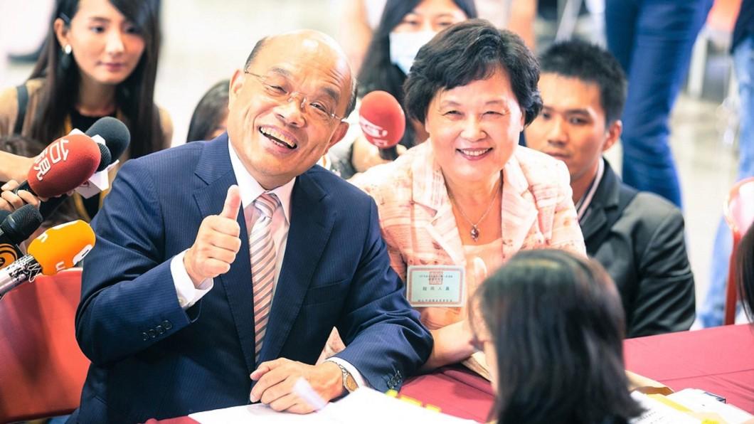 有與會者轉述蘇貞昌提到曾被藍營取笑「輸越多官越大」,讓他聽了很不是滋味。(圖/翻攝自蘇貞昌臉書) 曾被諷「輸越多、官越大」 蘇貞昌笑了:贏的滋味真好!