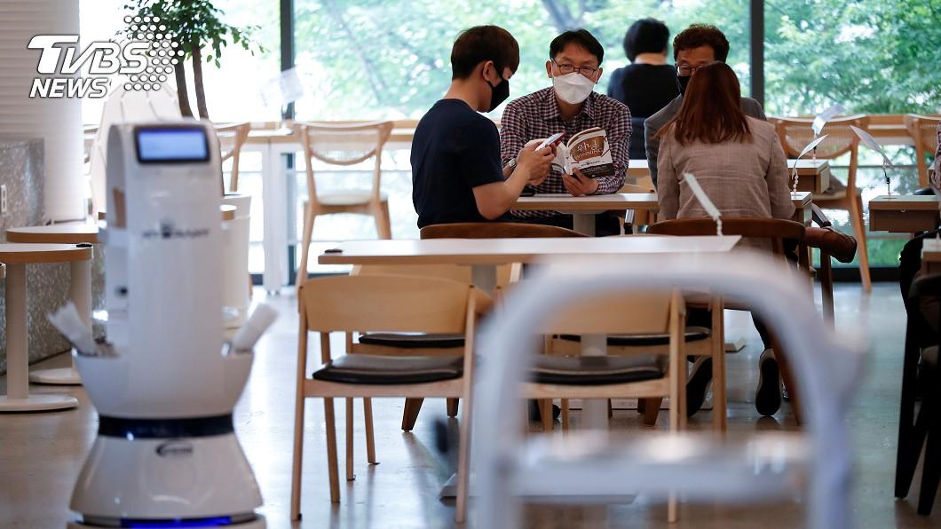 圖/路透社 南韓增40例創新高 物流中心群聚成禍源