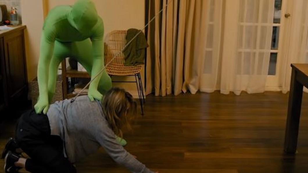 圖/翻攝自Insider YouTube 「隱形人」怎麼拍? 驚悚電影幕後拍攝技巧曝光