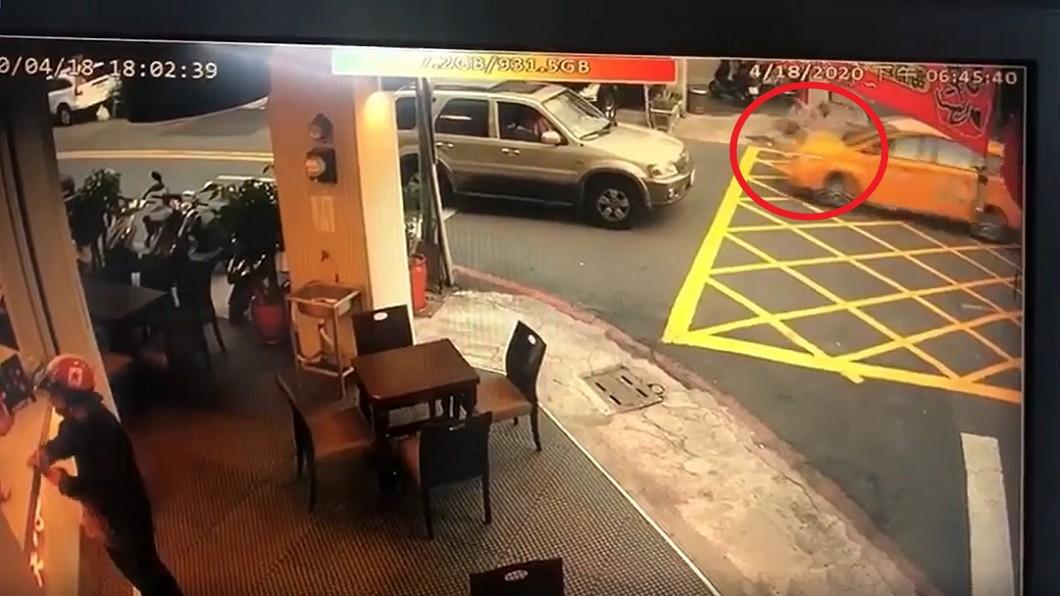 計程車撞少女「給50塊打發」 父怒:人命只值這麼多?