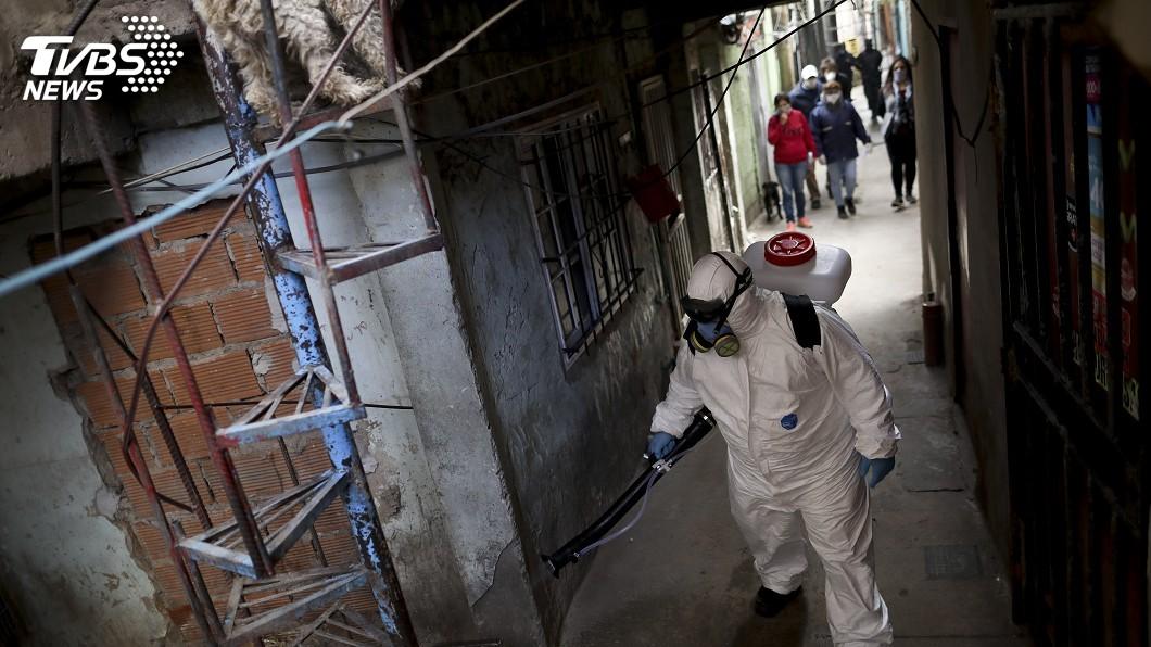 圖/達志影像美聯社 阿根廷貧民區病毒擴散拉警報 封鎖全區防疫