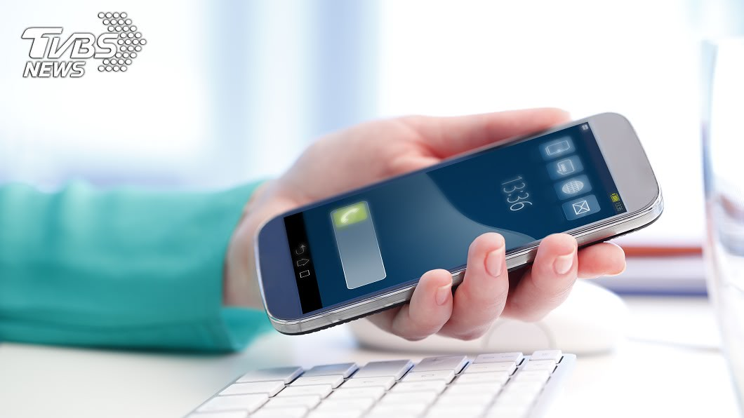 許多人都接過「一接就掛」的電話 (示意圖/TVBS) 常有「一接就掛」電話 網曝危險:個資恐外洩