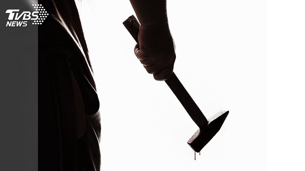 哈薩克日前發生一起哥哥狠心用鐵鎚打死妹妹的人倫悲劇。(TVBS資料示意圖) 搶平板鐵鎚敲爛10歲妹頭骨 15歲哥冷血稱:她不見了