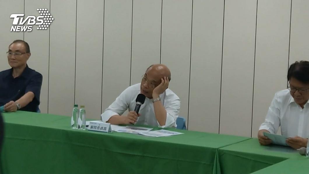行政院長蘇貞昌日前當眾電爆高榮院長林曜祥。(圖/TVBS) 當眾電爆榮總 他轟蘇貞昌:演戲宣示「我比陳時中行」