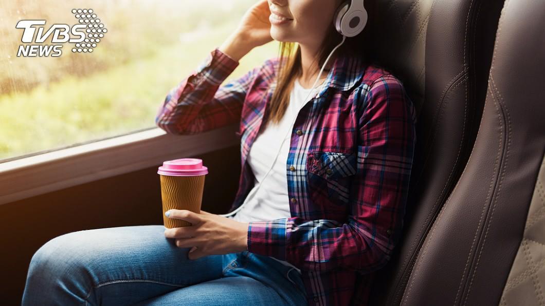 最怕遇上沒水準的人了!(示意圖/TVBS) 搭乘客運開心出遊!她驚見「1幕」嚇呆:此生前所未見
