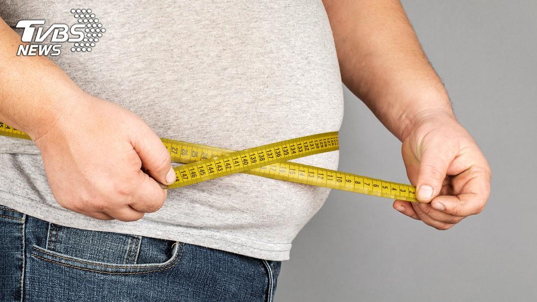 必需要有良好飲食習慣!(示意圖/TVBS) 宵夜吃太多!29歲男抽出「奶白色血」 醫:有生命危險