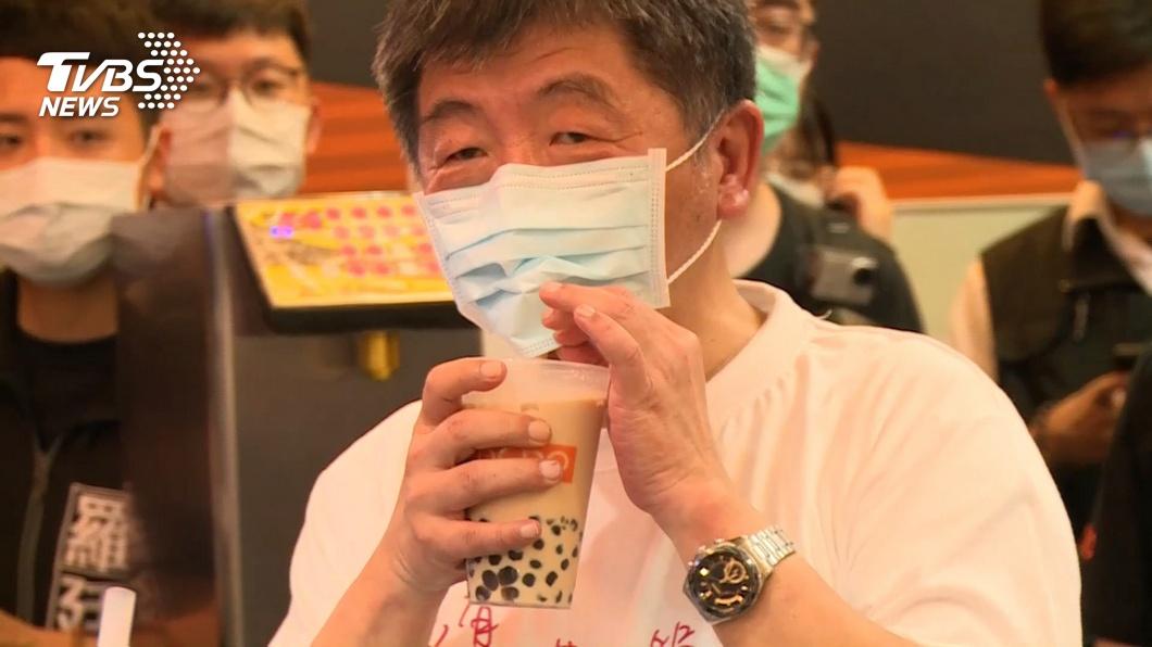 陳時中為宣傳防疫新生活南北跑透透。(圖/TVBS) 斷言「膩時中已經發生」!他轟:遇政治講話不專業