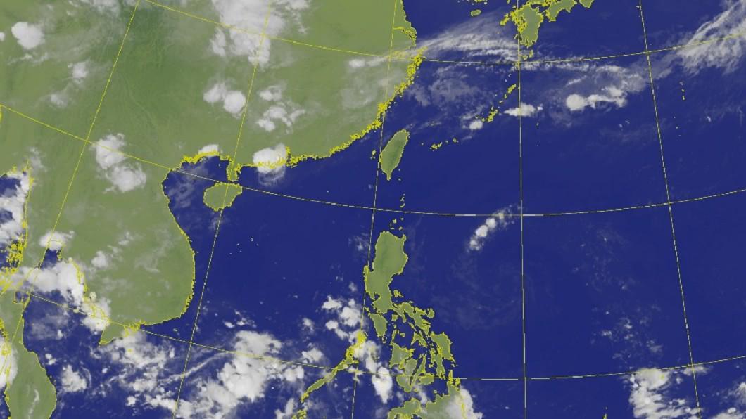 中央氣象局衛星雲圖。(圖/中央氣象局) 北部「半夜雨炸」原因曝 專家預告下波「變天」時程