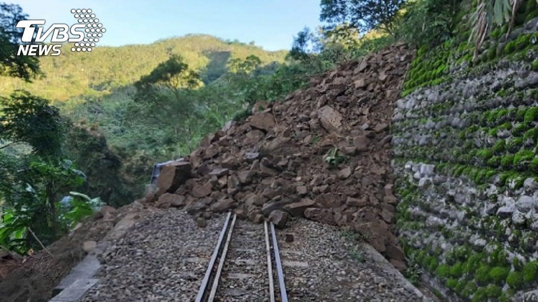 連兩日土石崩落 阿里山林業鐵路嘉義十字路停駛