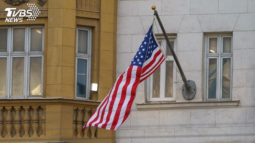 美國駐阿拉伯聯合大公國大使館拒絕阿布達比當局就2019冠狀病毒疾病病毒而對數百位館員進行採檢,理由是有中國公司和技術牽連其間。(示意圖/TVBS) 怕中國取得敏感資訊 美國使館拒絕阿聯採檢
