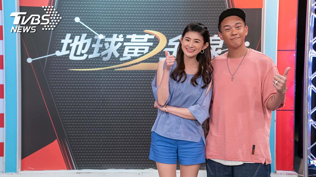 TVBS《地球黃金線》主持人蘇宗怡和來賓阿Ben。圖/TVBS 阿Ben開車怕崩潰 先求孩子吃飽再說?!