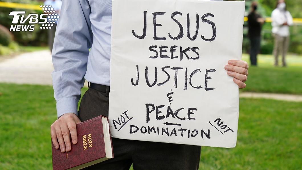 教宗方濟各今天呼籲全美達成和解。(示意圖/達志影像路透社) 非裔男慘死掀示威潮 教宗反種族歧視、譴責暴力!
