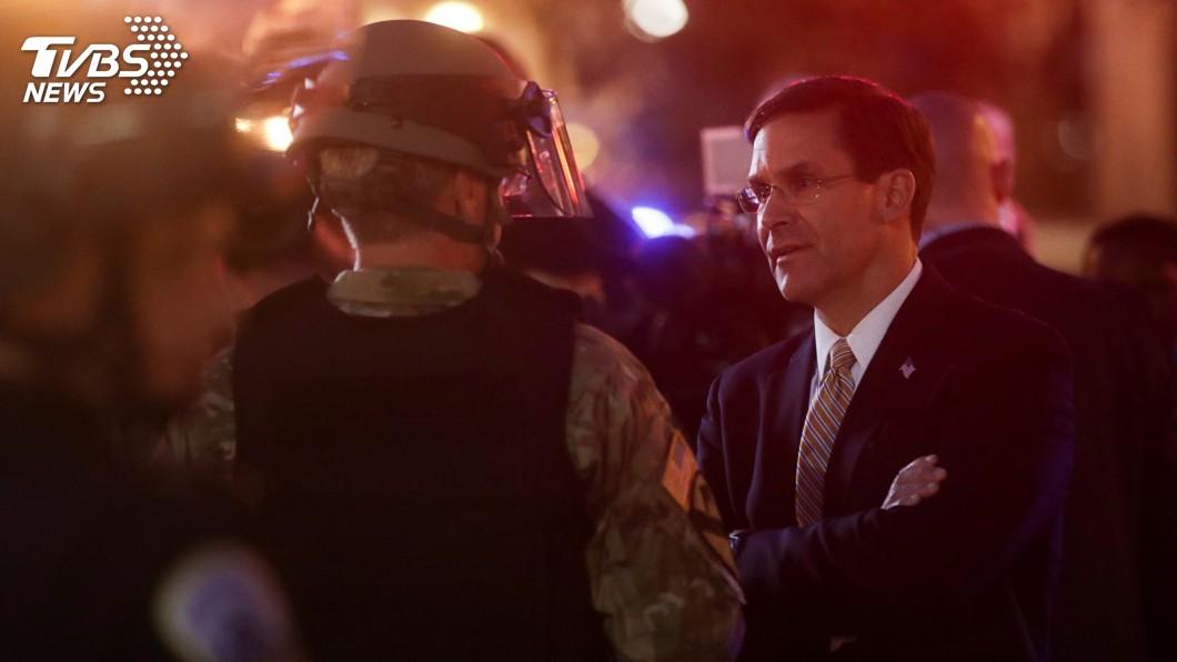 美國國防部長艾斯培。(圖/達志影像路透社) 防長不挺川普引用暴亂法 白宮:他目前仍在任