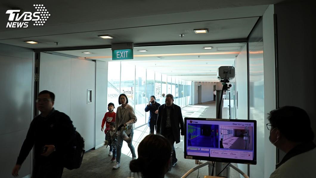 新加坡與中國間的「快速通道」8日將上路,允許必要旅行,旅客雖無須進行長達14天的隔離期,但須接受病毒檢測並負擔費用。(圖/達志影像路透社) 新加坡、中國建立快速通道 旅客須接受病毒檢測