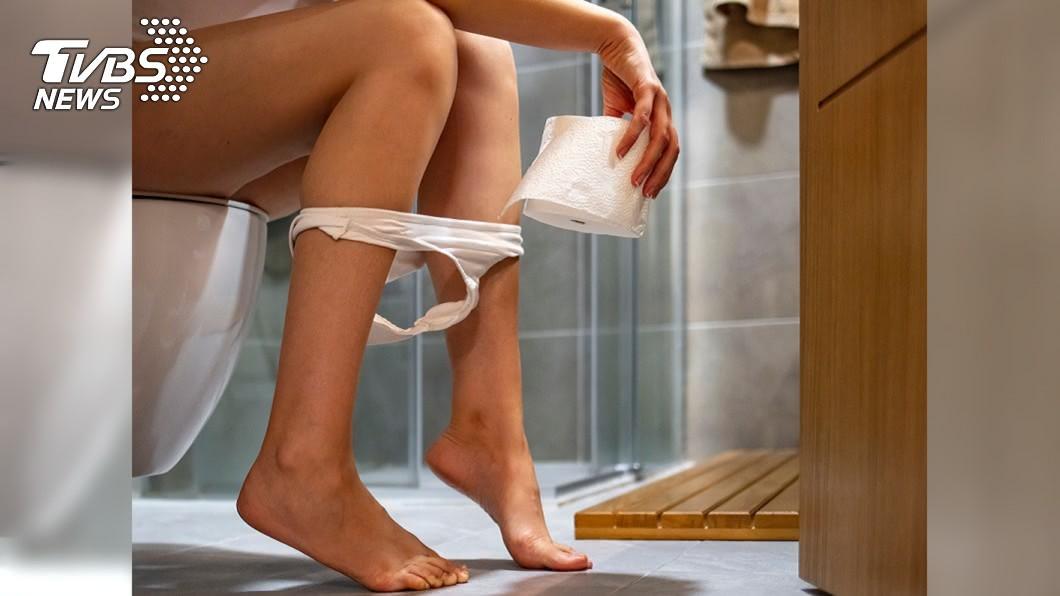 示意圖/TVBS資料照 上廁所婆婆狂唸「衛生紙用太多」 網嚇壞:在門口監視?