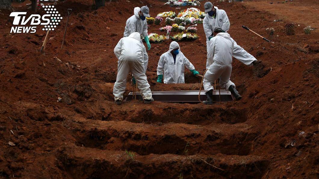 巴西疫情嚴重。(圖/達志影像路透社) 武漢肺炎肆虐拉美 巴西再添1005人病故