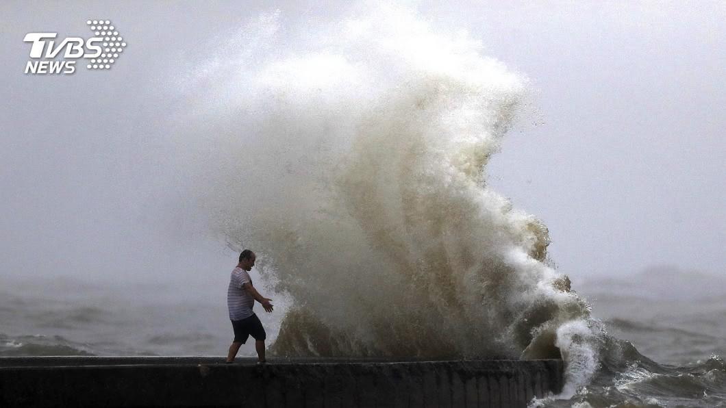 圖/達志影像美聯社 熱帶風暴侵襲美東南部 出現巨大龍捲風