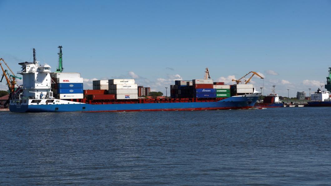 圖/達志影像路透 全球海運危機 降速省成本 40萬船員卡關