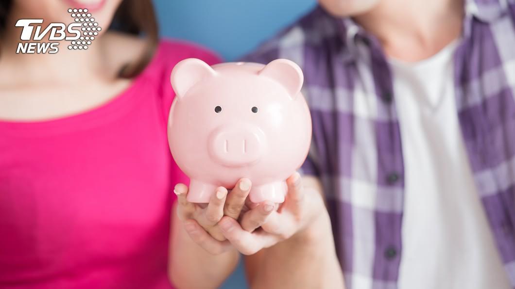 每個人都有自己的擇偶標準。(示意圖/TVBS) 女想掌管男友存款「幫投資理財」…網友戰翻天:不能接受