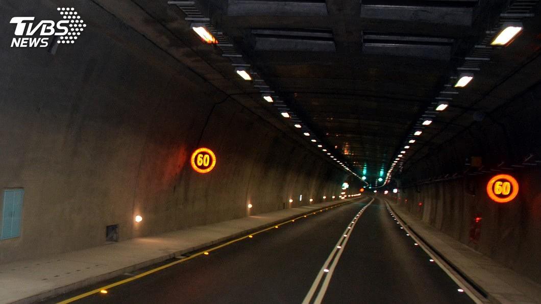 隧道內開窗須更加注意。(圖/中央社資料畫面) 隧道一氧化氮濃度高 多用空調避免開窗