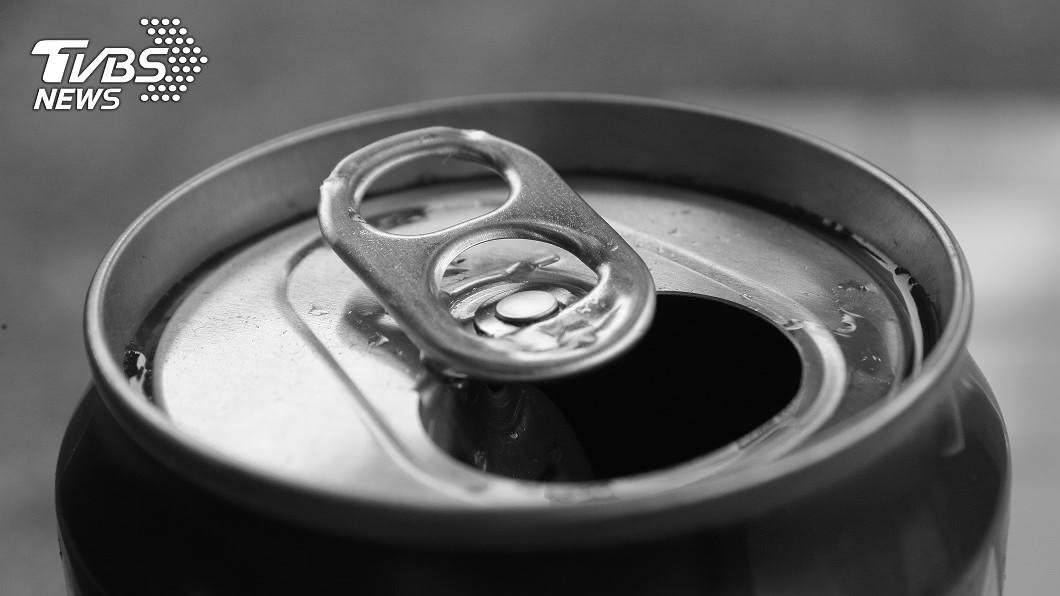 示意圖/TVBS 飲料瓶口沾到老鼠屎尿 貨車司機喝完染上漢他病毒