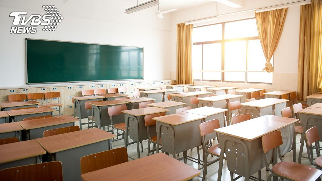 高雄市某學校全班30人疑有一半上呼吸道感染。(示意圖/TVBS) 高雄15學生上呼吸道感染採檢出爐 校方:15日不停課