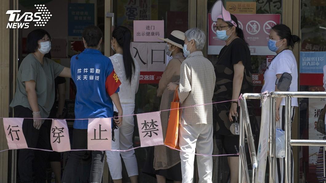 北京爆發新一波武漢肺炎疫情。 (圖/達志影像美聯社) 北京突爆發新一波疫情 陸CDC專家:形勢嚴峻