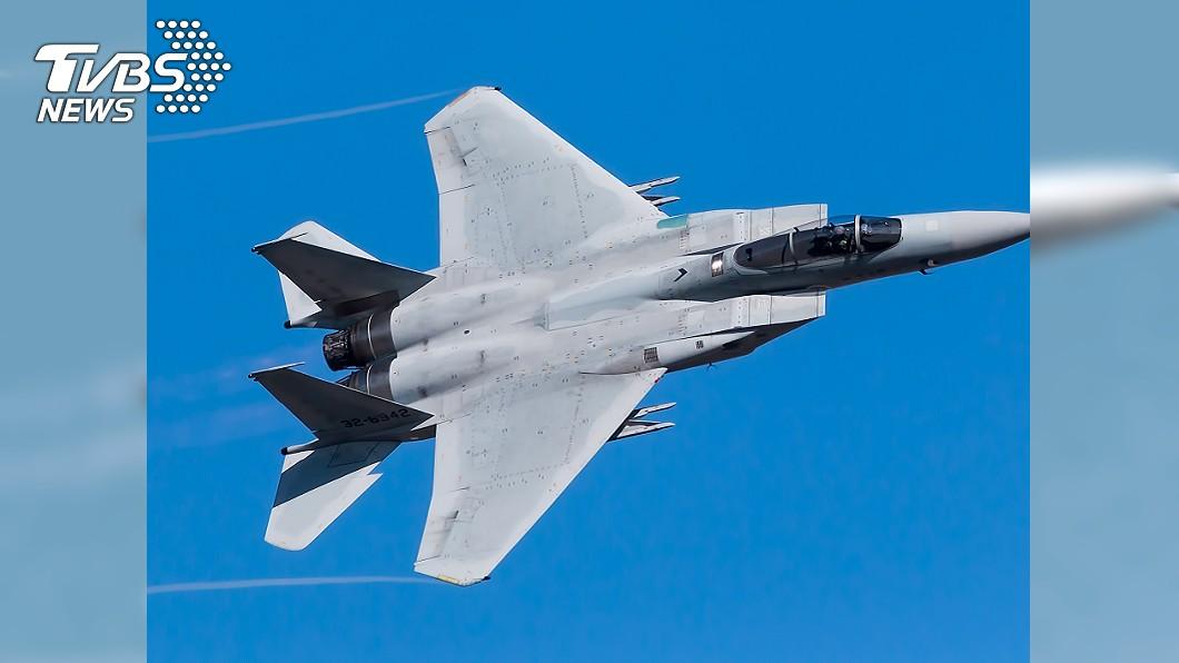 圖為F-15戰鬥機同款戰機。(示意圖/TVBS) 美駐英國F-15戰機墜北海 尋獲飛行員遺體