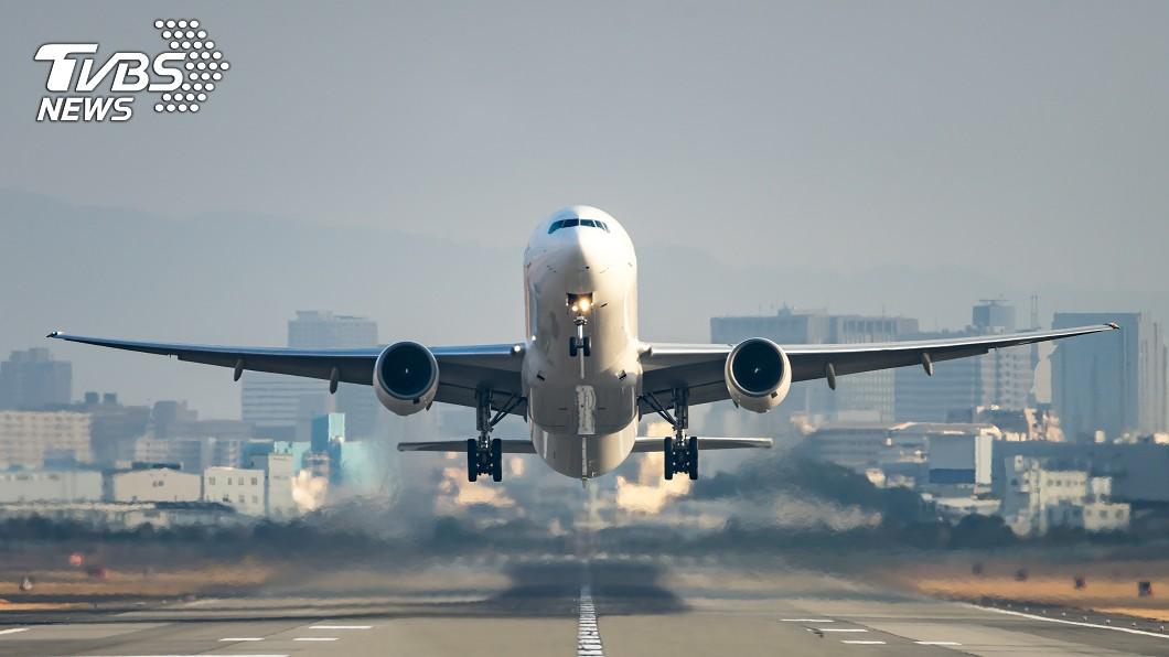 班機示意圖,與本文無關。(圖/TVBS) 醫爆離京班機「班班客滿」 剛返台的他:機上才30人
