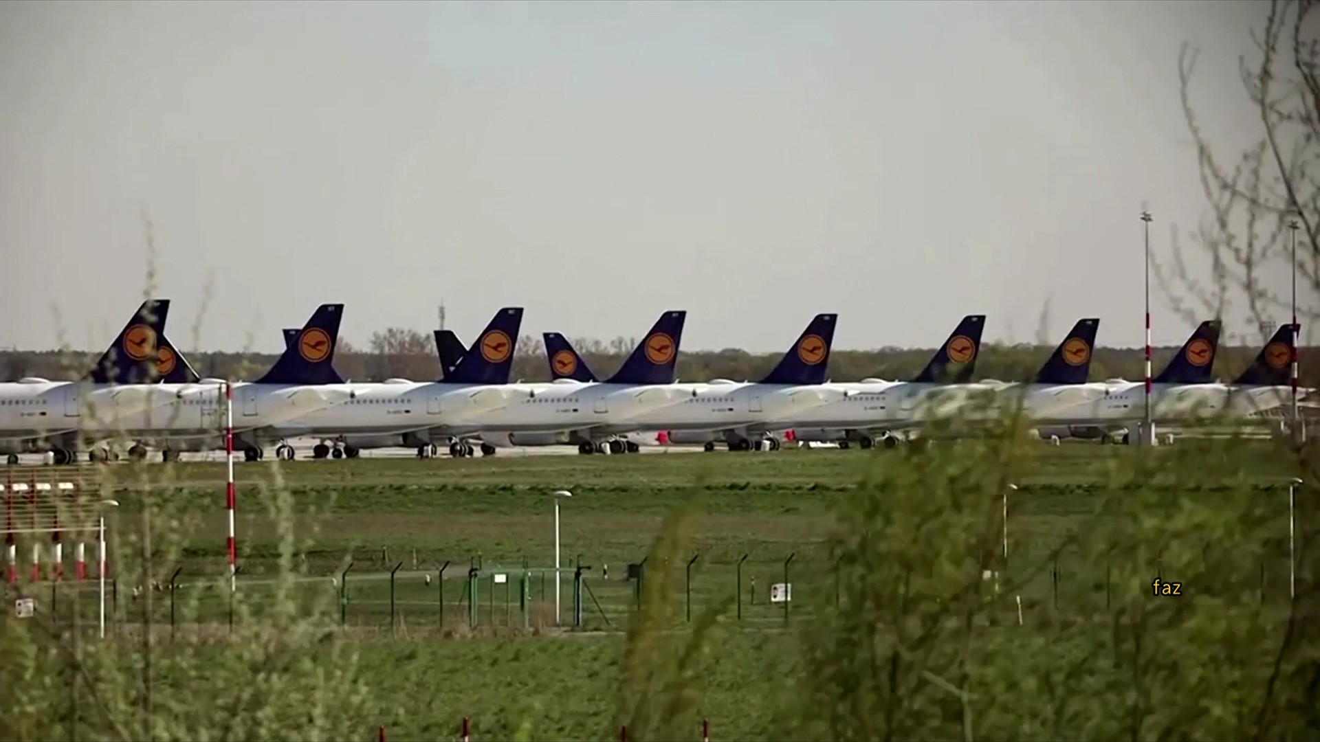 航空營收砍半 2020史上最慘